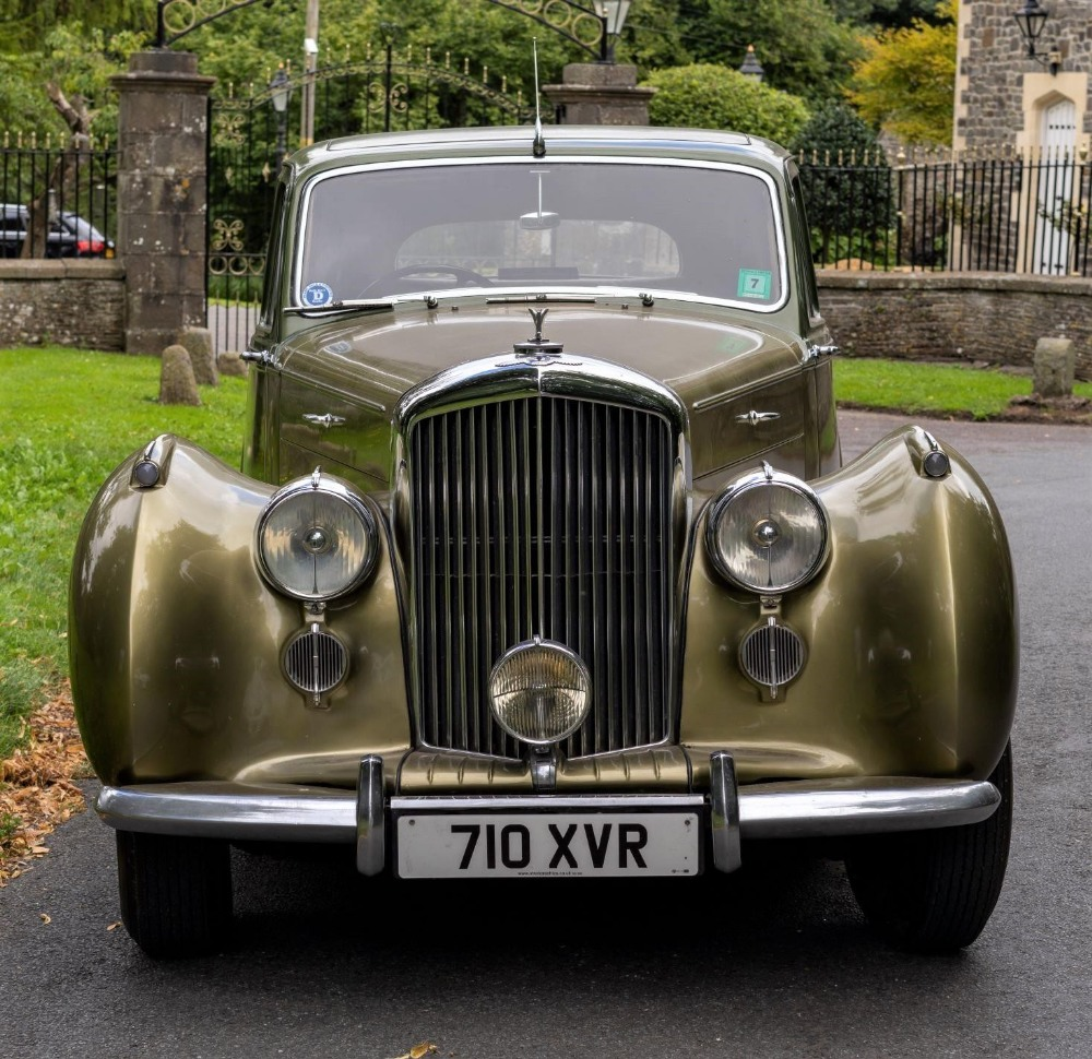 1954 BENTLEY R-TYPE 4½-LITRE SALOON Registration Number: 710 XVR Chassis Number: B292YD  Four speed - Image 3 of 22