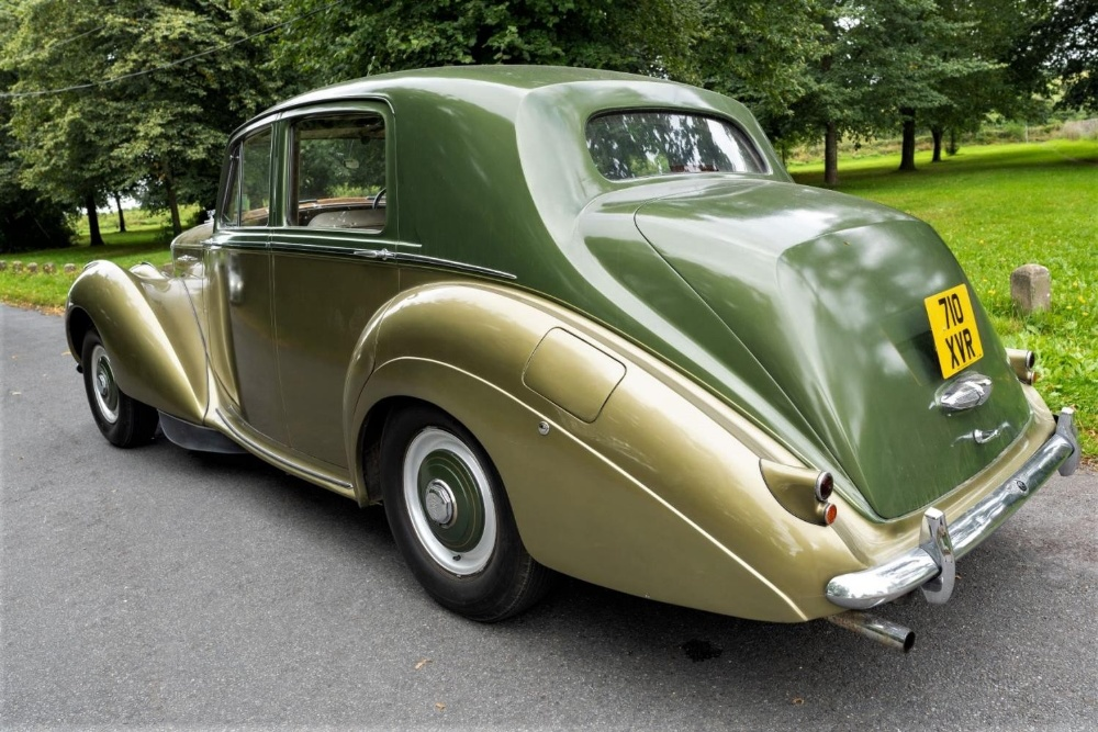 1954 BENTLEY R-TYPE 4½-LITRE SALOON Registration Number: 710 XVR Chassis Number: B292YD  Four speed - Image 5 of 22