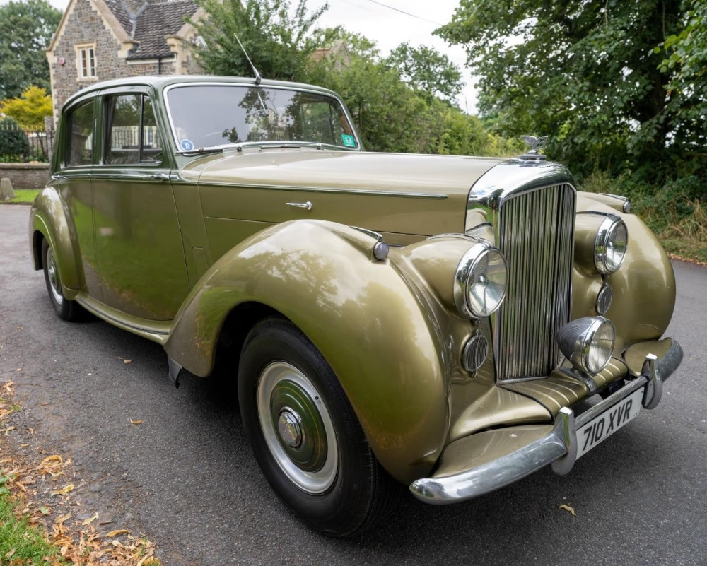 1954 BENTLEY R-TYPE 4½-LITRE SALOON Registration Number: 710 XVR Chassis Number: B292YD  Four speed - Image 2 of 22