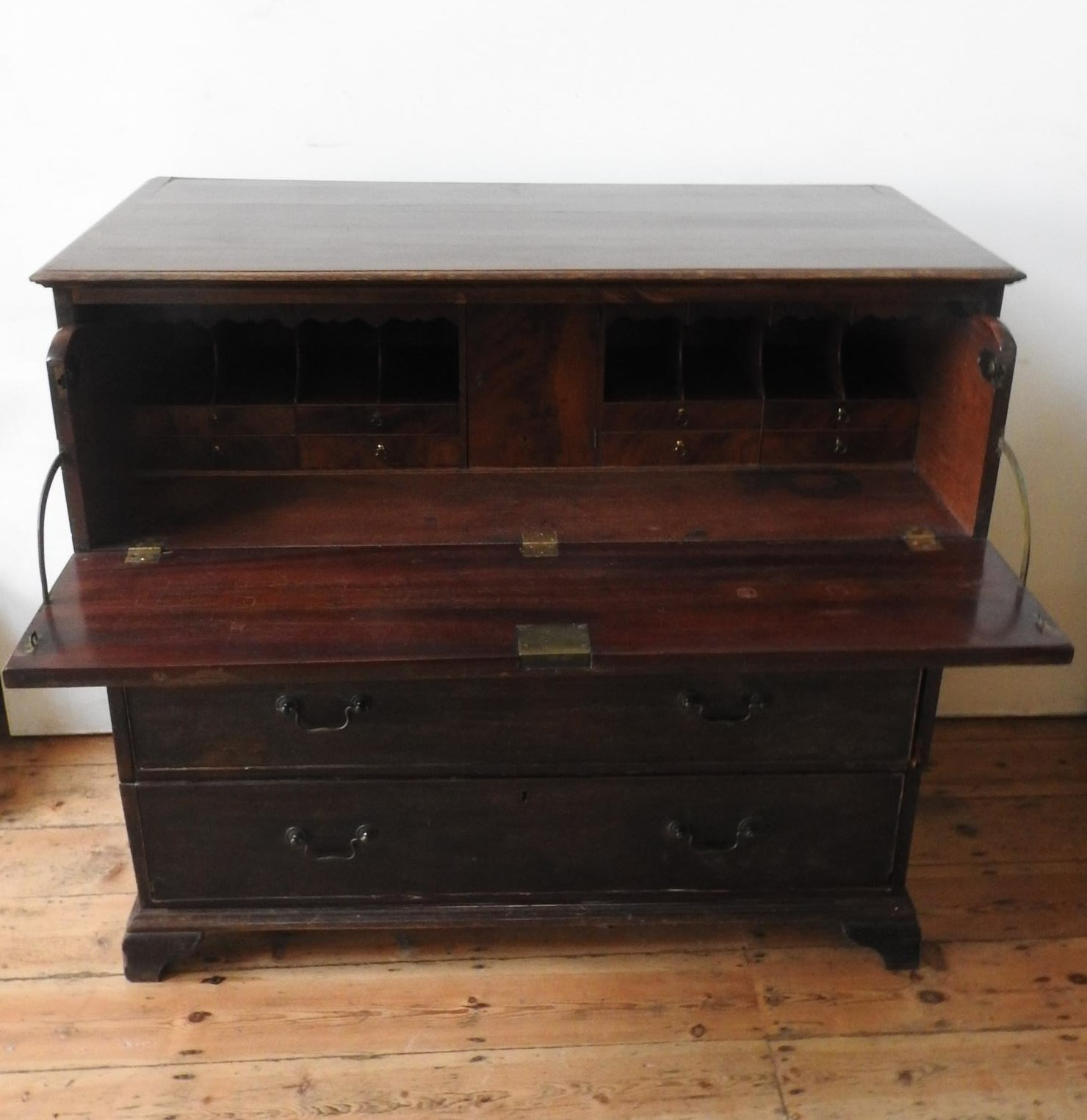 A 19th CENTURY MAHOGANY SECRETAIRE CHEST ON BRACKET FEET, the drop-front top drawer fitted with - Image 3 of 4