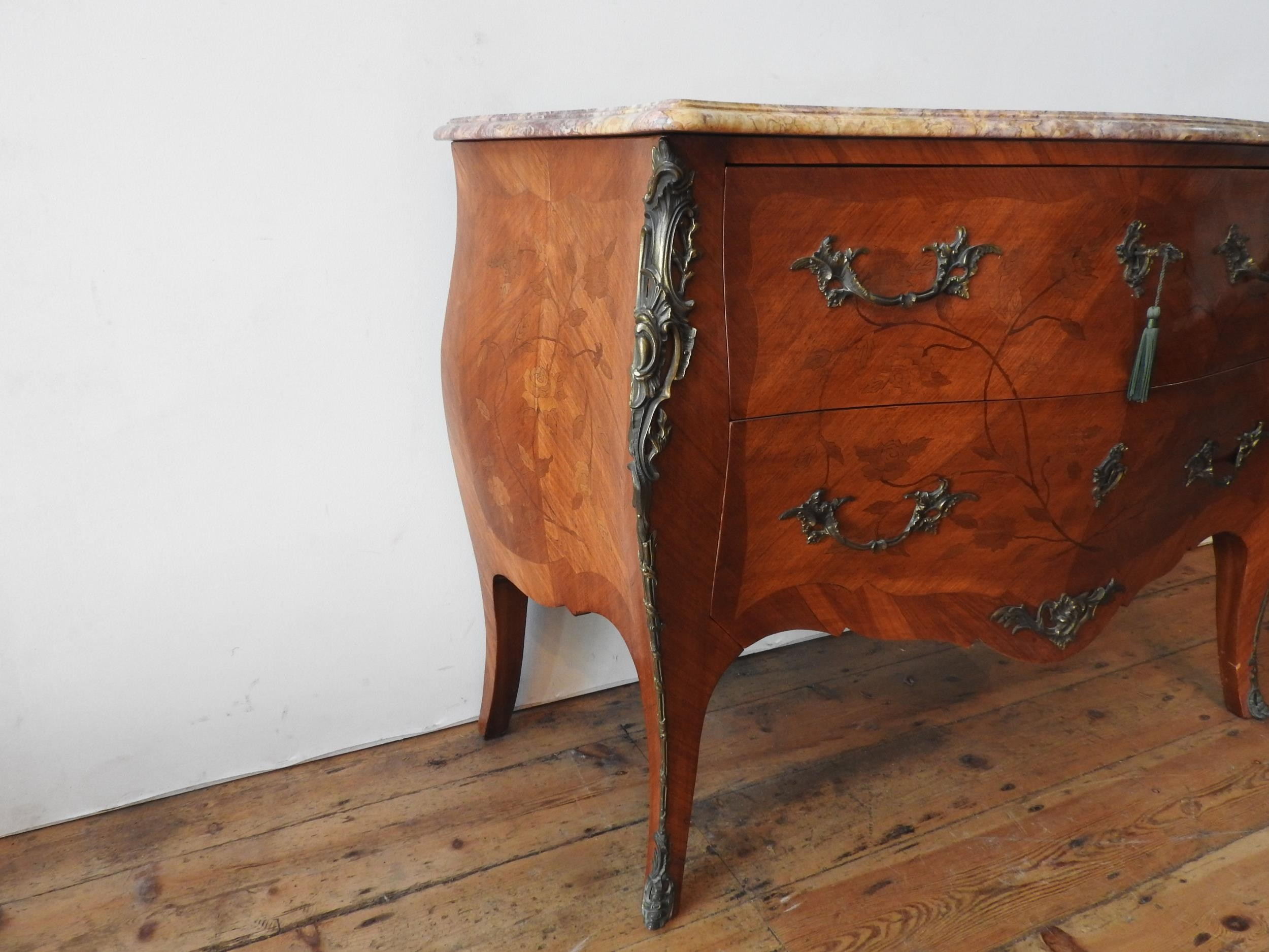 A 20th CENTURY LOUIS XV STYLE CONTINENTAL MARBLE TOP BOMBE CHEST, the two drawer chest with floral - Image 3 of 4