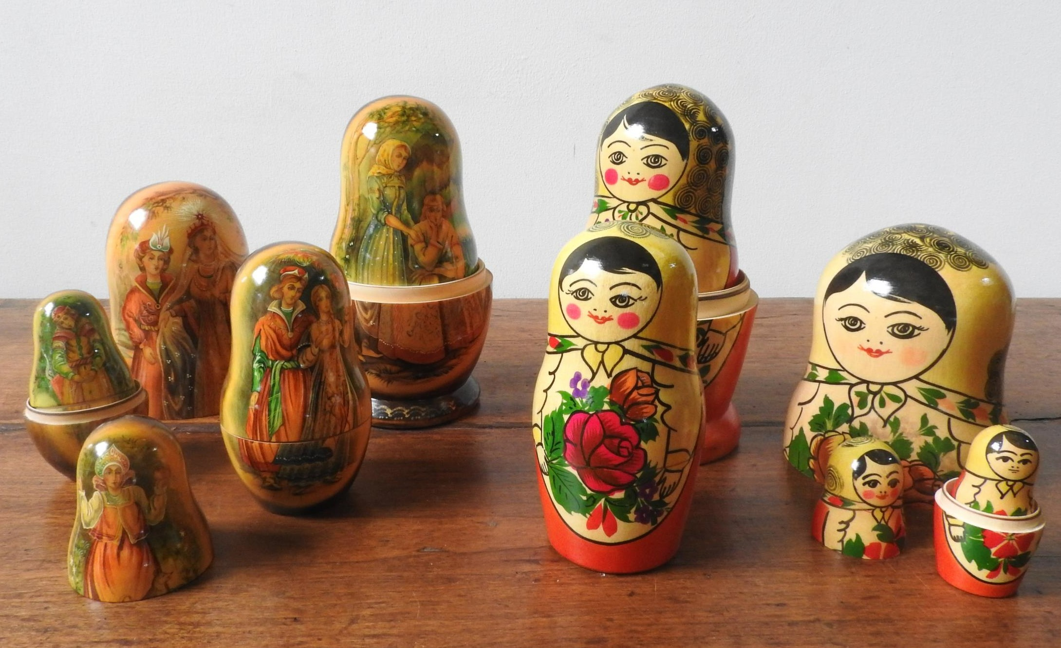 TWO SETS OF STACKING GRADUATED RUSSIAN DOLLS, ten dolls in each set, one set in traditional doll - Image 3 of 4