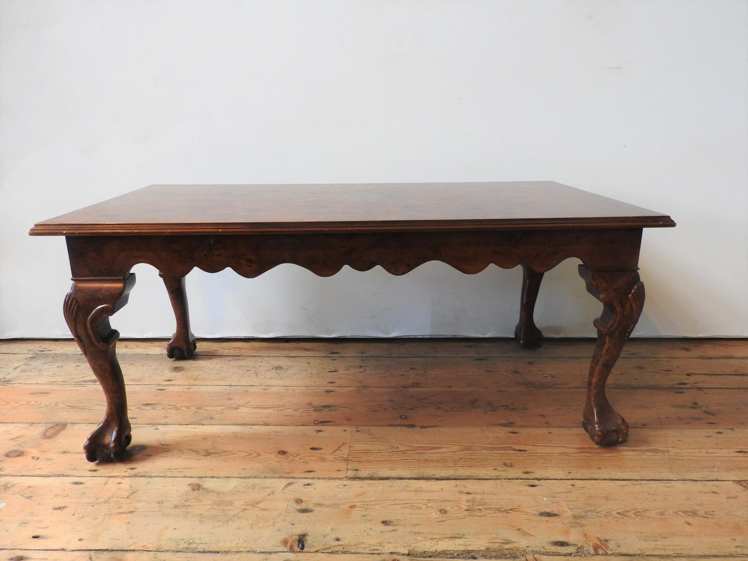 A 20TH CENTURY CLAW FOOT BURR WALNUT EFFECT COFFEE TABLE, 47 x 56 x 107 cm - Image 2 of 2