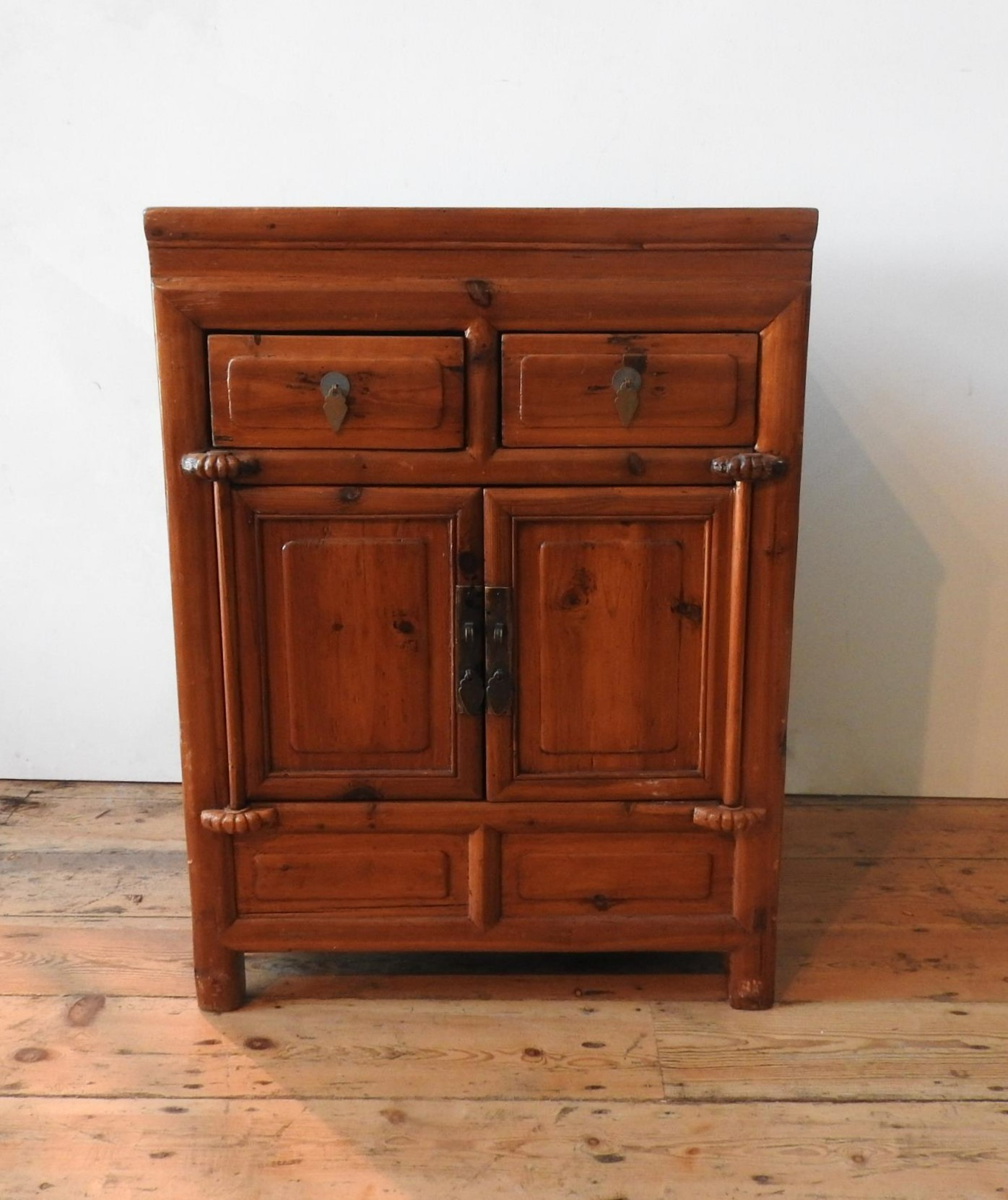 AN ORIENTAL STYLE HARDWOOD TWO DOOR CUPBOARD, with two drawers, 86 x 64 x 50cm - Image 2 of 3