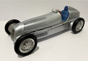 CMC MERCEDES BENZ 1934 W25 1:18 Mercedes-Benz participated in the 1935 GP Season with an even more