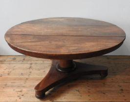 A VICTORIAN MAHOGANY TILT-TOP BREAKFAST TABLE, 75 cm high, 141 cm dia