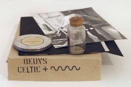Joseph Beuys Krefeld 1921 - 1986 Düsseldorf Celtic +. Super-8 Film, 10 Photographien und eine mit