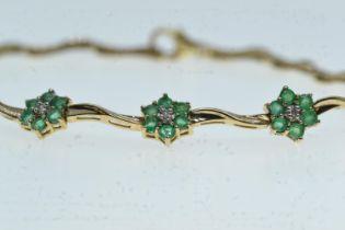 14ct gold, emerald & diamond bracelet, circumference 190mm, 5.13 grams