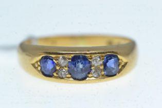 18ct gold, sapphire & diamond ring, size M, 4.28 grams