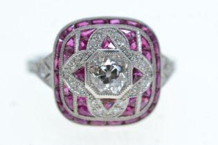 Platinum, diamond & ruby ring, size M, 5.34 grams