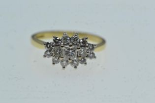 18ct gold & diamond cluster ring, size M, 3.36 grams