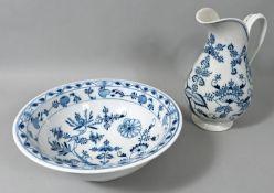 Waschtischgarnitur, Meissen, MOPF (Teichert), 1. Drittel 20. Jh.Porzellan, Zwiebelmusterdekor