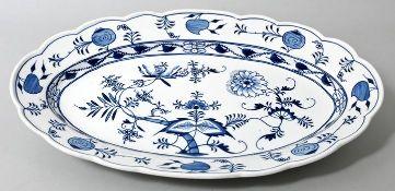 Ovale Platte, Meissen, E. Teichert, 1890-1900Porzellan, Neuer Ausschnitt, Zwiebelmusterdekor.