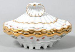 Deckeldose in Muschelform, Meissen, 2003-2004Meissen-Club-Edition. Porzellan, Form aus dem Sc
