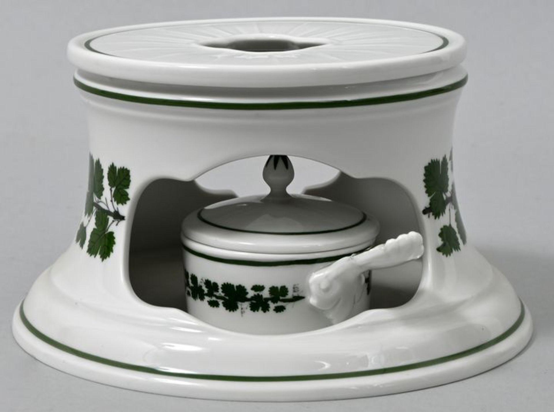 Stövchen/ Wärmer, Meissen, 2. H. 20. Jh.Porzellan, Weinlaubdekor. Mit Teelicht-Einsatz-Pfä