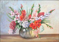 Vogeley, M., 1. H. 20. Jh.Stillleben mit Sommerblumenstrauß. Deckfarben (Gouache) auf Pappe,