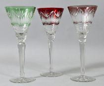Drei Kelchgläser/ Stängelgläser, Böhmen/ Schlesien, 20. Jh. (1920)Kristallglas, facettier