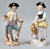 Zwei Gärtnerkinder, Meissen, Ausformungen 2. H. 19. und 2. H. 20. Jh.Knabe mit Spaten und Bl