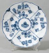 Teller, Meissen, 1774-1814 (Marcolini)Porzellan, Neuer Ausschnitt, Reliefzierrat Gebrochener