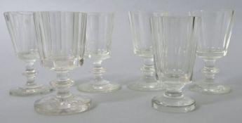 6 Kelchgläser, vorw. 2. H. 19. Jh.Farbloses Glas/ Kristall, Scheiben-bzw. oktogonaler Fuß,