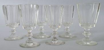 6 Kelchgläser, 2. H. 19. Jh.Farbloses Glas, Scheibenfuß, Scheibennodus. Konische Kuppas fac