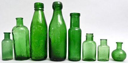 Konvolut von acht Flaschen / Set of eight bottles
