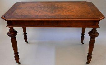Gründerzeittisch / Table