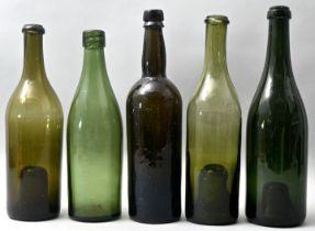 Fünf Weinflaschen/Wine bottles