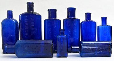 Konvolut von neun blauen Apothekerflaschen / Nine apothecary bottles