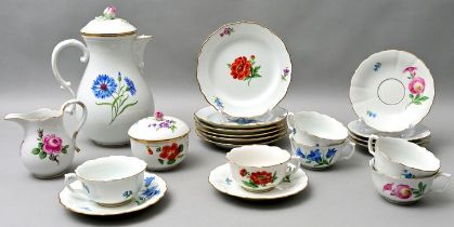 Service, Meissen, 21 T. / porcelain dishes