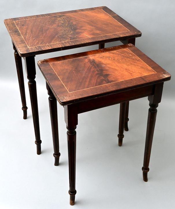Paar Satztische / Pair of set tables