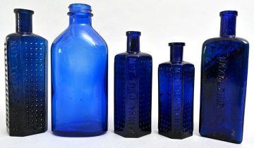 Konvolut von fünf Flaschen/Set of medicine bottles