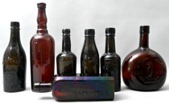 Konvolut sieben brauner Flaschen / Set of seven bottles