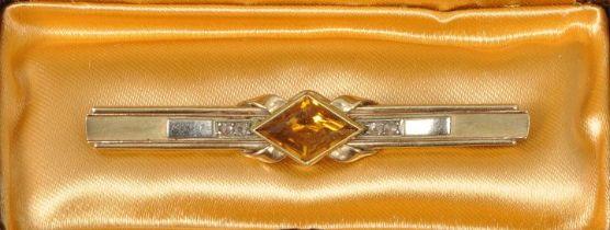 Nadelbrosche im Etui / Pin brooch