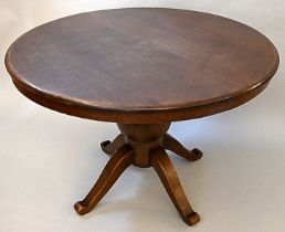 runder Tisch / Round table