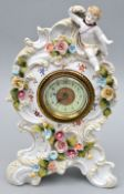 Porzellanuhr mit Putto / Porcelain clock