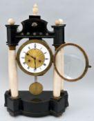 Stockuhr / Portal clock alabaster vase