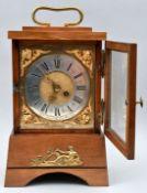 Stutzuhr, Messingaplikation/ bracket clock