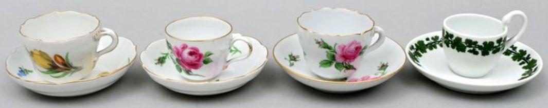 Vier Mokkatassen, Meissen / Four Mocca cups, Meissen