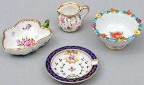 Drei Teile+1 Porzellan Dresden / Four pieces of porcelain