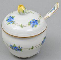 Zuckerdose mit Löffel, Meissen / Sugar bowl with spoon, Meissen