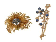 A 1970s 18 carat gold abstract sapphire brooch
