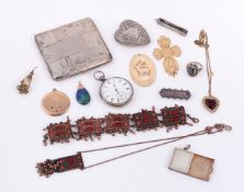 Y A small collection of jewellery and costume jewellery