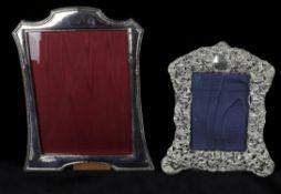 An Edwardian silver photo frame