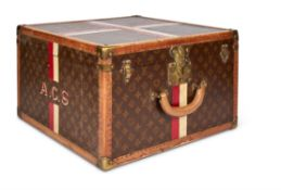 A LEATHER AND BRASS BOUND LOUIS VUITTON HATBOX