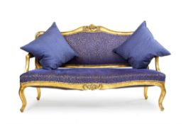 A FRENCH GILTWOOD CANAPE, EARLY 20TH CENTURY