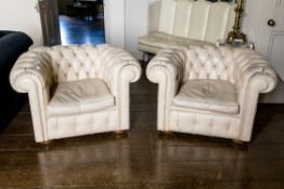 A PAIR OF CREAM LEATHER UPHOLSTERED ARMCHAIRS, LATE 20TH CENTURY