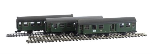 A rake of three gauge 1 DB six-wheel coaches