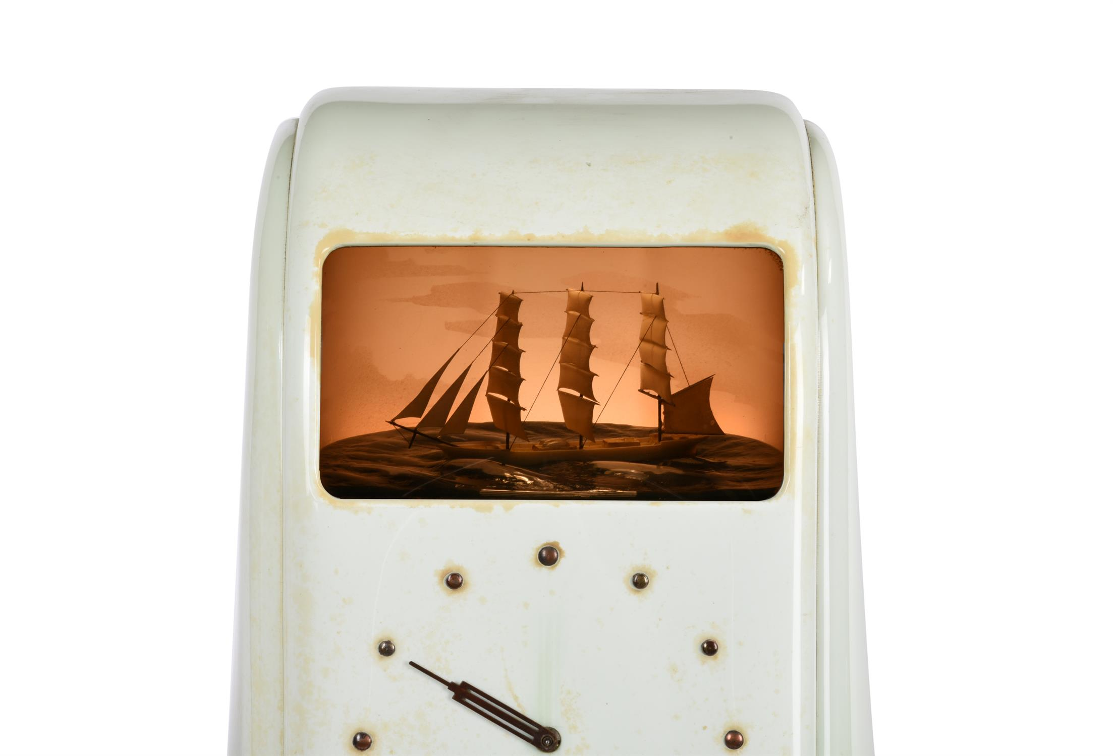 A 'Vitascope' dioramic electric timepiece - Image 3 of 4