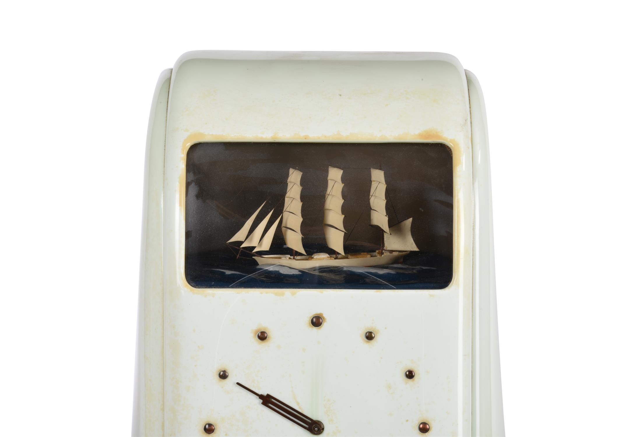 A 'Vitascope' dioramic electric timepiece - Image 2 of 4